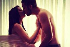 Нет никого красивее беременной женщины… В глазах — счастье… В сердце — любовь… На щеках — румянец… А внутри — маленькая жизнь…