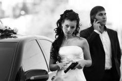 Я хочу за тебя замуж, но я понимаю, что одного моего желания мало. Поэтому я взяла пистолет.