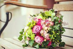 Хочу увидеть за дверью своей квартиры большого мишку, букет цветов и надпись на розовом листочке: