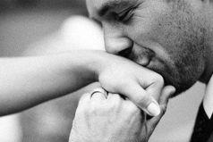 Когда мужчине нравится женщина, его не интересует её прошлое и даже её настоящее - он просто заботится о её будущем.
