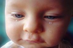 Мы ругаем детей за не убранные игрушки, за сломанный телефон итд,  но когда они болеют, сильно болеют думаешь раскидай, сломай,  только не болей смейся, балуйся только будь здоров!