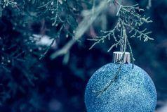 Пусть в Новом году у нас будет всё то,чего нельзя купить: настоящая искренняя любовь, здоровье, счастье и  верные друзья. Пусть обещания сбываются, пусть слова будут не просто словами, пусть окружают люди, которые не обманывают, пусть надежды станут реальностью.