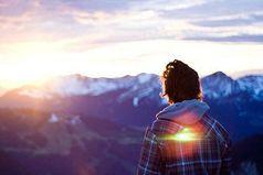 Будет новый рассвет, будет море побед. И не верь никогда – в то, что выхода нет.