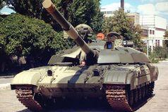 Я бы с радостью поездил на хорошей, мощной  отечественной машине, но кто же меня пустит в город на танке?