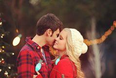 Желаю, чтобы в Новом Году с вами всегда был, тот человек,  который согреет ваши руки холодной зимой