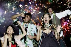 В Новогоднюю ночь нужно отпустить все обиды и печали и оставить их в прошлом году. Встречайте Новый год с улыбкой на лице, и тогда он пройдет в ритме счастья!