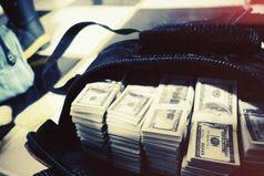 Деньги и есть деньги. Приятно, когда есть чем платить за квартиру, в ресторане и т.д., есть банальная поговорка — не в деньгах счастье, но за них ты покупаешь свободу жить той жизнью, какая тебе нравится.