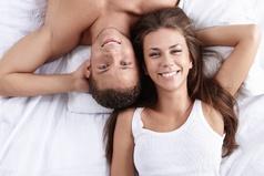 Многие мужчины, влюбившись в ямочку на щеке, по ошибке женятся на всей девушке.