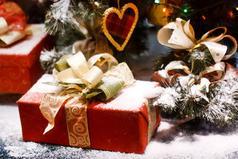 Каждый Новый год дает надежду на чудо, хочется верить,  что именно этот Новый год исполнит все самое сокровенное.