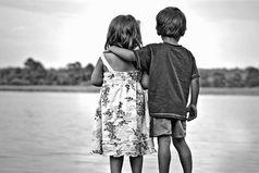 Не бойтесь кого-то потерять. Вы не потеряете того, кто нужен вам по жизни. Теряются те, кто послан вам для опыта. Остаются те, кто послан вам судьбой.