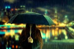 Я не бросаю людей. Иногда злюсь, но мне нужна минута, чтобы остыть, но я никогда не брошу. Наверно, поэтому так больно, когда люди покидают меня.
