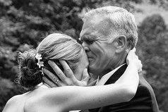 Папа для девочки - это первый и самый важный мужчина в жизни. Он самый сильный, лучший, добрый. Его не надо искать и за него не нужно бороться. Он любит просто потому что он отец.