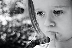 Мы перестали ценить чувства, плача из-за всякой ерунды.