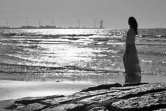Когда человек ничего не хочет, то это признак того, что он хочет чего-то настолько сильно, что уже нет сил хотеть...