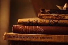 Дочитать книгу — это как конец смены в летнем лагере. Только ты всех узнал, только они стали твоими друзьями,частью твоей жизни, как надо прощаться...