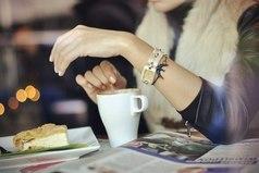 В какой-то момент тебе придется понять, что некоторые люди могут остаться только в твоем сердце, но не в твоей жизни.