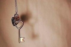 Слова, как ключи. Правильно подобрав, можно открыть любую душу и закрыть любой рот...