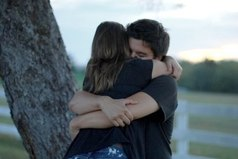 Чтобы по-настоящему оценить объятия любимого человека, надо прежде узнать каково без них… я узнала, я не хочу быть без тебя.