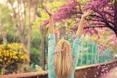 Если каждое утро вы будете просыпаться с мыслью о том, что сегодня обязательно произойдет что-то хорошее, так и будет!