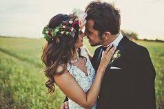 Когда есть для кого дышать, просыпаться по утрам, улыбаться, заваривать чай, когда есть кого ждать, есть кому говорить: «Я люблю тебя тоже»… Хочется жить...