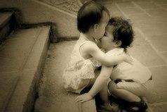 Не всегда прощения просит тот, кто виноват. Прощения просит тот, кто дорожит отношениями.