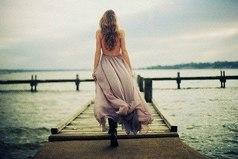 Мужчины уходят быстро, но часто возвращаются. Женщины долго думают, прежде чем уйти, но уходят навсегда.