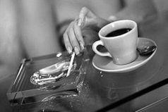 Чем меньше рассказываешь людям, тем меньше у них потом козырей в рукаве, которые они в любой момент могут кинуть на стол и разбить вас.