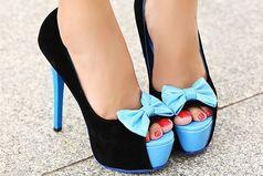 Девушки, если вы одели каблуки, то я вас умоляю, идите как королева, а не как парализованный кузнечик!!!
