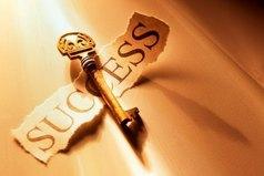 Успех не является ключом к счастью. Счастье же — самый важный ключ к успеху. Если вам нравится то, чем вы занимаетесь — вы обязательно добьетесь успеха.