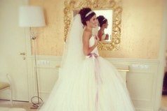 Предложение выйти замуж - это самый лучший комплимент , который может сделать мужчина женщине.