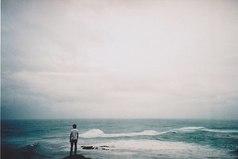 Слишком часто хочется все бросить и убежать.