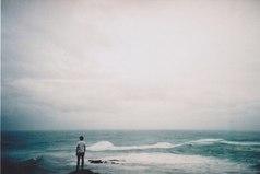 Никогда не уходи от человека, который действительно стоял и ждал тебя.