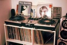 Сложный период жизни – это когда старая музыка уже надоела, а новую ты пока не нашёл.