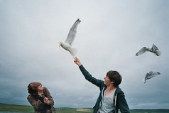 Если у вас появился человек, с которым вы забываете свое прошлое, значит этот человек – ваше будущее.