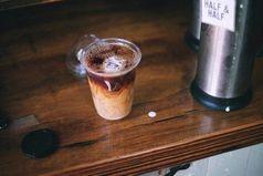 Человека нельзя заставить полюбить кофе или чай, если он того не любит. Точно так же, нельзя заставить полюбить другого человека.