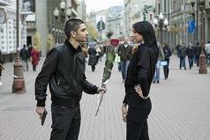 Девочки, если за вами бегает парень, общайтесь с ним нормально.Не набивайте себе цену, вы же не товар в магазине. Парни тоже люди и у них есть чувства...