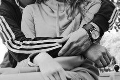 Как правило в любви, один любит, а второй позволяет, себя любить...