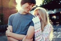 Дружба между парнем и девушкой - это когда один дружит, а другой в тайне любит.