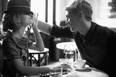 Мне нравятся простые люди, которые легки в общении, которые не стараются красоваться перед кем-то, которые искренне к тебе относятся, без всяких корыстных целей. Люди, чьи улыбки поднимают моё настроение.
