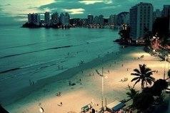 Хочу туда, где нету интернета, волнует море и зажигает лето.