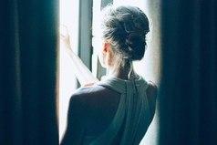 Каждое огорчение открывает глаза, но закрывает сердце.