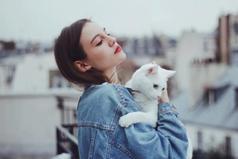 Не стоит обижать женщин и кошек - и те, и другие найдут способ вам отомстить.