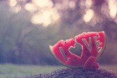 Жизнь — это тебе не супермаркет, дружище. Любовь найти нельзя. Её можно только встретить.