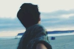 Ты еще помнишь, как трудно нам было расстаться? Как мы снова и снова протягивали друг другу руки, словно даже одна короткая ночь могла похитить нас друг у друга?