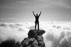 На всю жизнь возьмите себе привычку делать то, чего боитесь. Если вы сделаете то, чего страшитесь, ваш страх наверняка умрет.