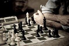 Единственный способ стать умнее - играть с более умным противником..