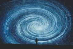 В жизни каждого наступает момент, когда нужно понять, что прошлого больше нет.