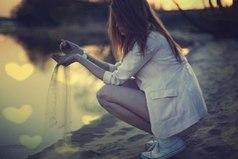 Время - это песок. Жизнь - это вода. Слова - это ветер... Осторожнее с этими компонентами, чтобы не получилась грязь!