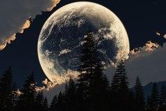 Жизнь пронизана необъяснимыми вещами, но человек настолько захвачен сиюминутным, насущным, что не дает себе труда обратить внимание на обратную сторону бытия. Это как «темная стороны Луны» - мы видим только половину, которая обращена к нам «лицом».