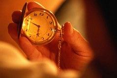 Лучше опоздать, где ждут, чем явиться вовремя, куда не приглашали.